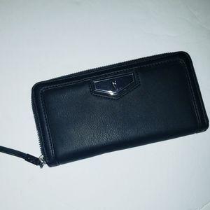 Simply Vera Wang Black Wallet Zip Faux Leather